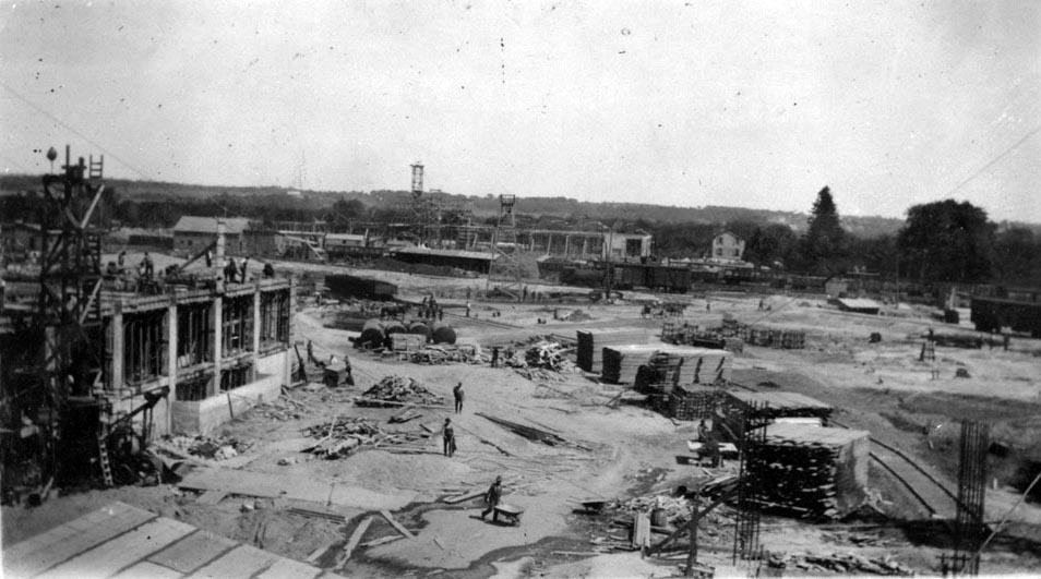 1919 GM Oshawa Oldsmobile Plant construction