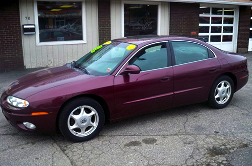 2003 Oldsmobile Aurora Bordeaux Red