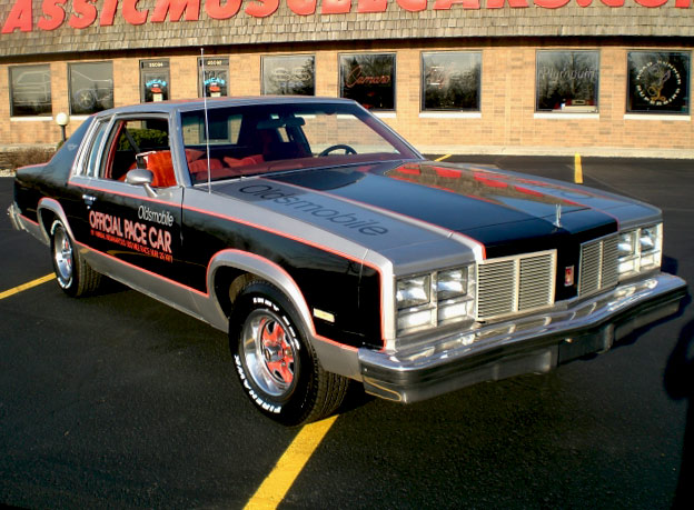 Oldsmobile Delta 88 Replica Pace Car